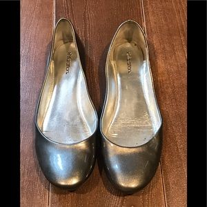 Metallic pewter flats
